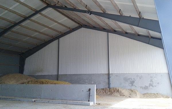 Maskinhall (18 x 43 m), påbörjat 2012 klar 2013. C:a 1/3 avsett för verkstad.